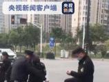 李蓬国:三名城管当街暴打摊贩,举一反三为翻篇?